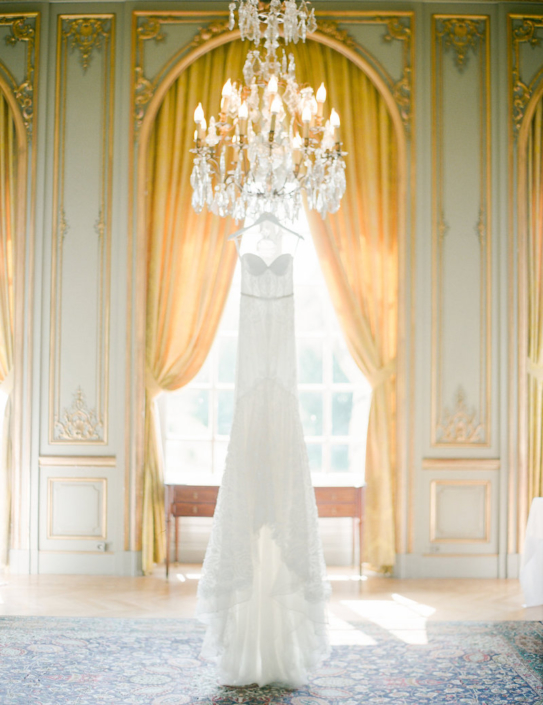 French chateau wedding planned by Fête in France