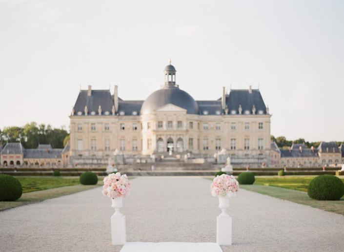 Spectacular château near Paris with American Wedding Planner in France Château Vaux le Vicomte Wedding