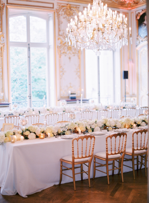 Private mansion in Paris wedding reception by American wedding planner Fête in France