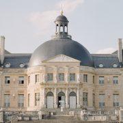 Spectacular château near Paris
