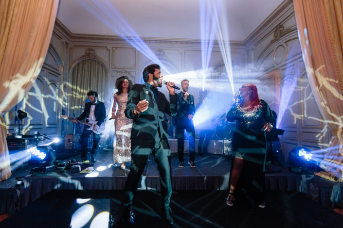 Paris luxury wedding entertainment