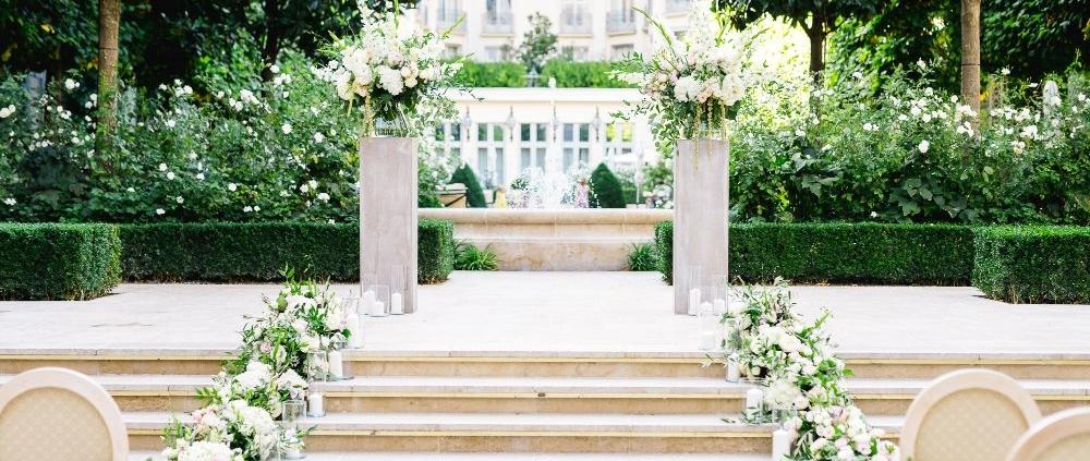 Ritz Paris garden wedding ceremony planned by Fête in France