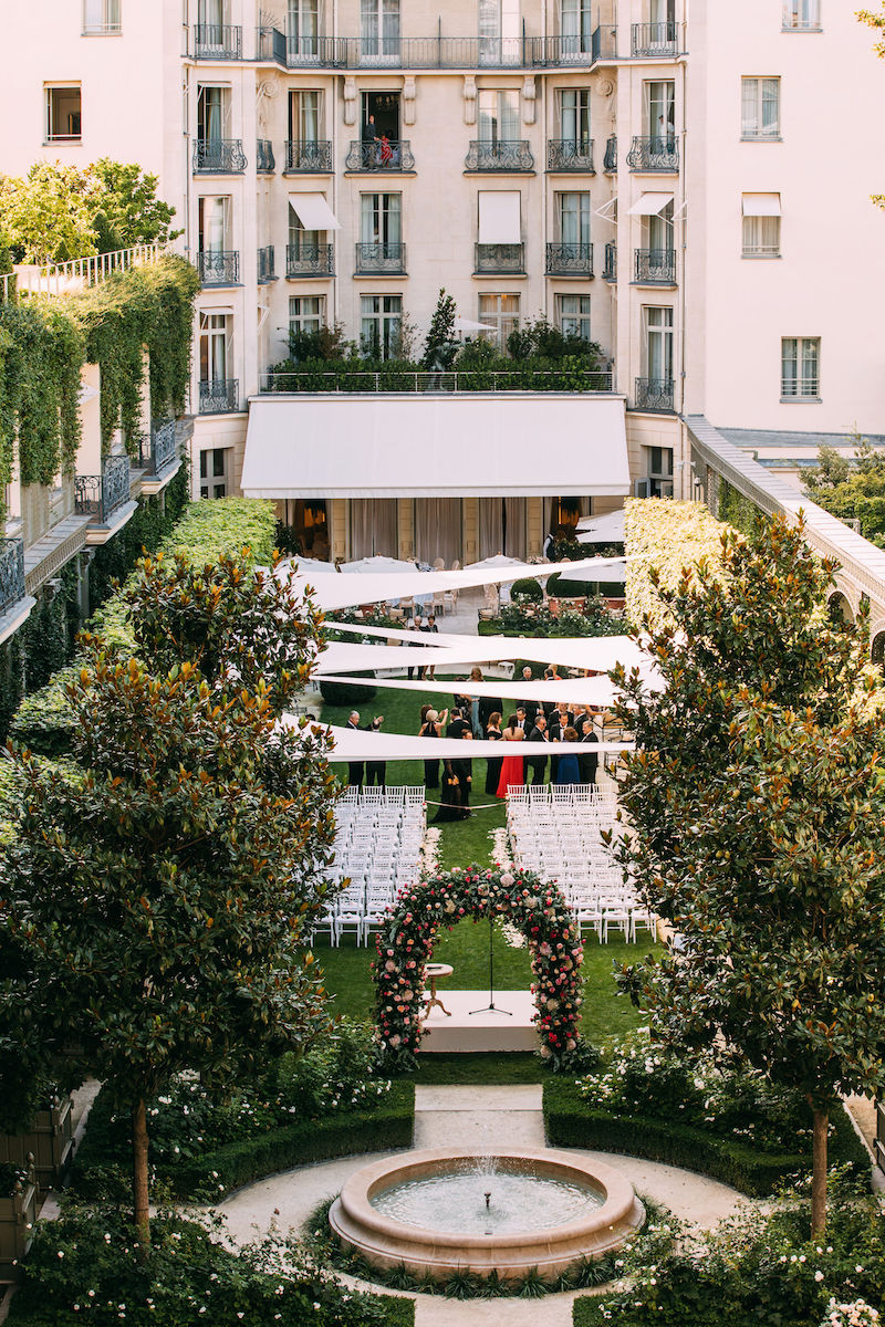 Ritz Paris garden wedding ceremony with American wedding planner Fête in France
