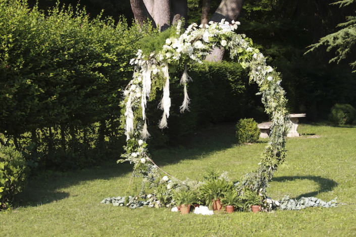 Garden ceremony in the Loire Valley