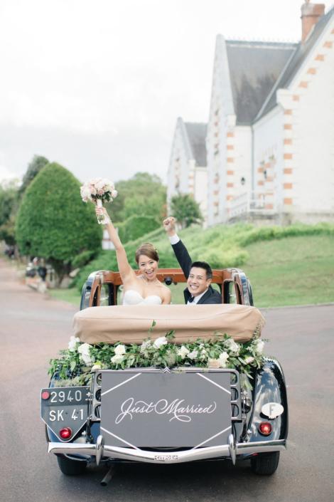 Loire Valley château wedding getaway car