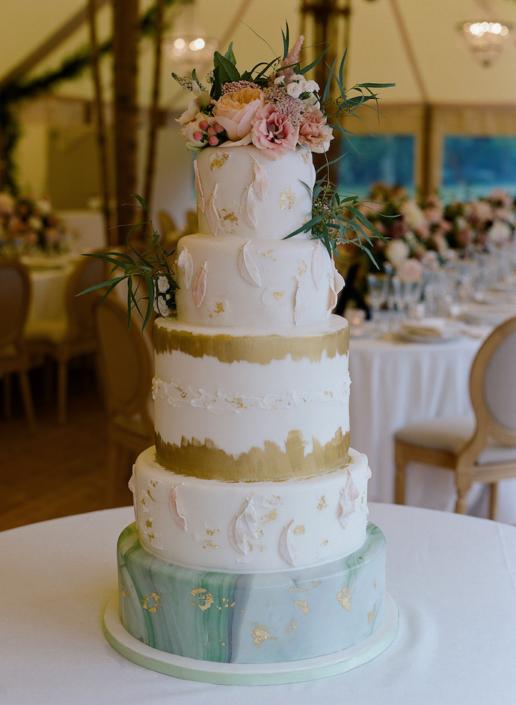 Pièce montée mariage blanc et or - wedding planner France
