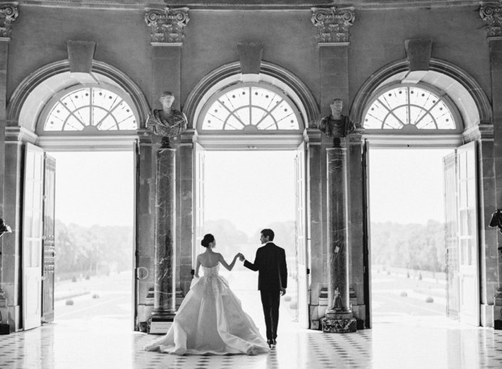 Luxury wedding at a French château near Paris planned by Fête in France