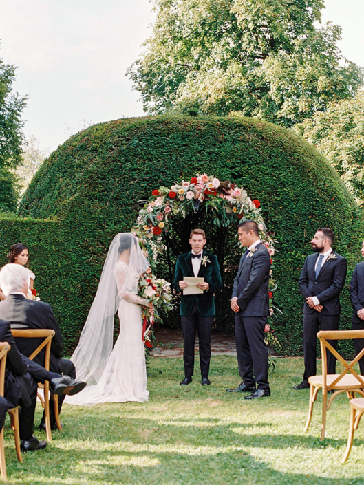 French countryside wedding ceremony planned by Fête in France