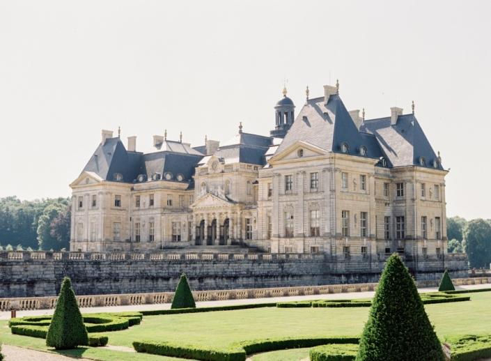 Spectacular château near Paris with wedding planner Fête in France