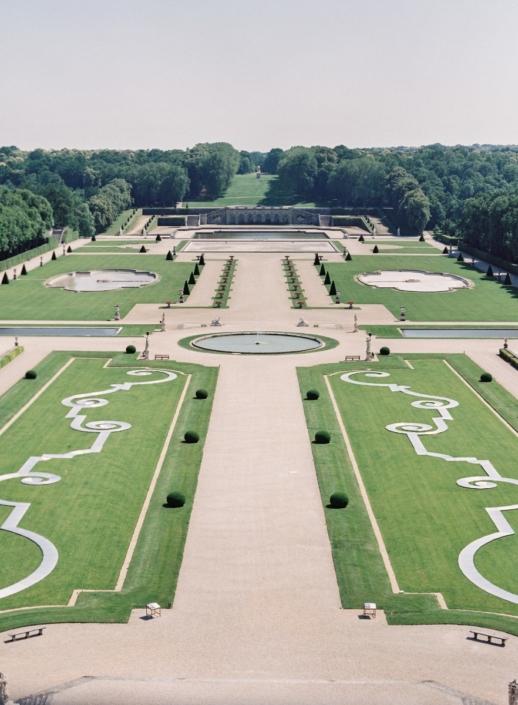 Spectacular château and gardens near Paris Château de Vaux le Vicomte with Fête in France