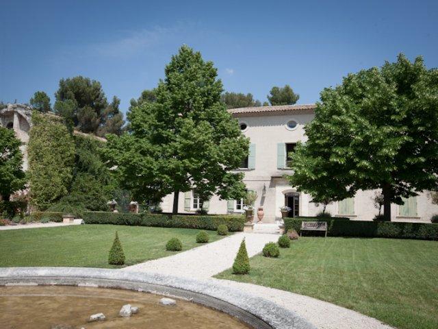 Historic provençal villa wedding