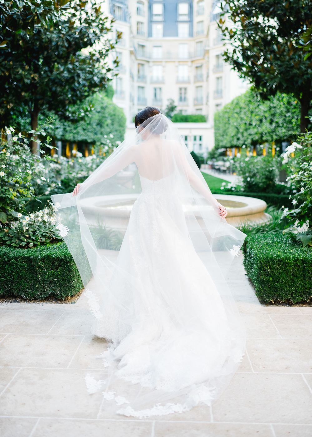 Ritz Paris wedding with a Monique Lhuillier gown